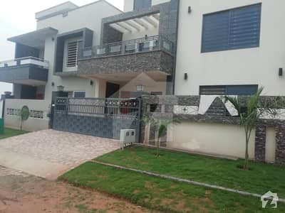 10 Marla Brand New 6 Bed Double Unit House For Sale