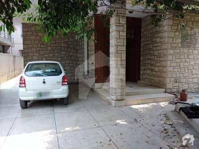 ڈی ایچ اے فیز 2 - بلاک ٹی فیز 2 ڈیفنس (ڈی ایچ اے) لاہور میں 5 کمروں کا 1 کنال مکان 1 لاکھ میں کرایہ پر دستیاب ہے۔