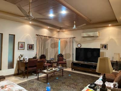 1 Kanal House For Sale Like New In Dha Phase 3 W Block