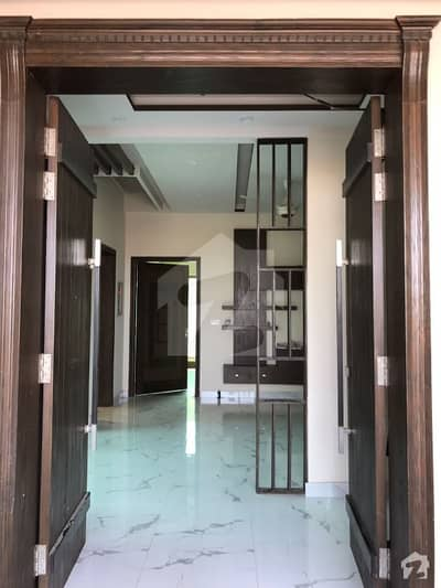 1 Kanal Upper Portion Available For Rent