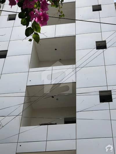 ڈی ایچ اے فیز 2 ڈی ایچ اے کراچی میں 3 کمروں کا 5 مرلہ فلیٹ 1.2 کروڑ میں برائے فروخت۔