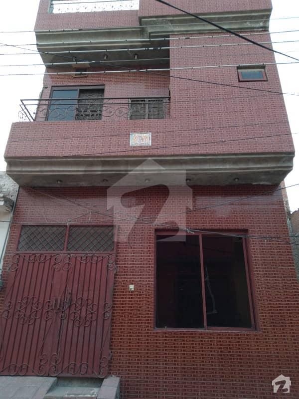 شیرشاہ کالونی - راؤنڈ روڈ لاہور میں 1 کمرے کا 4 مرلہ مکان 15 ہزار میں کرایہ پر دستیاب ہے۔
