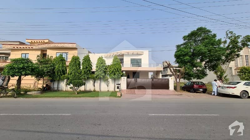 1 Kanal Luxury Home Main Boulevard Wapda Town