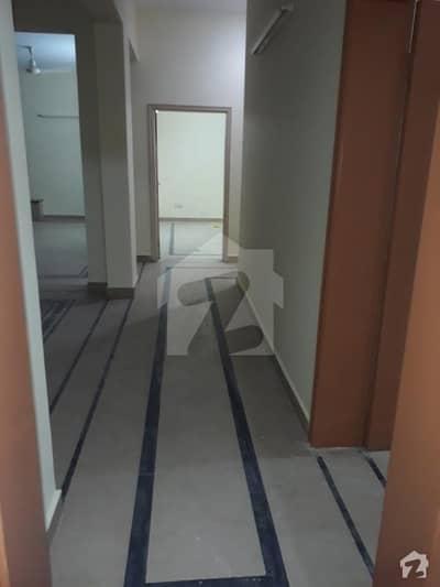 ریونیو سوسائٹی - بلاک اے ریوینیو سوسائٹی لاہور میں 5 کمروں کا 18 مرلہ مکان 1.2 لاکھ میں کرایہ پر دستیاب ہے۔