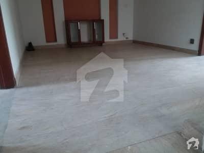 ڈی ایچ اے فیز 1 ڈیفنس (ڈی ایچ اے) لاہور میں 1 کمرے کا 10 مرلہ کمرہ 17 ہزار میں کرایہ پر دستیاب ہے۔