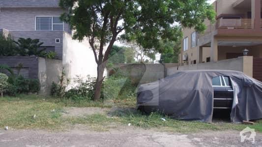اسٹیٹ لائف فیز 1 - بلاک جی اسٹیٹ لائف ہاؤسنگ فیز 1 اسٹیٹ لائف ہاؤسنگ سوسائٹی لاہور میں 10 مرلہ رہائشی پلاٹ 1.15 کروڑ میں برائے فروخت۔
