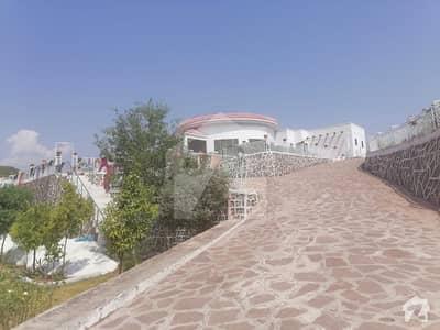 بہارہ کھوہ اسلام آباد میں 4 کمروں کا 12 کنال فارم ہاؤس 10 کروڑ میں برائے فروخت۔
