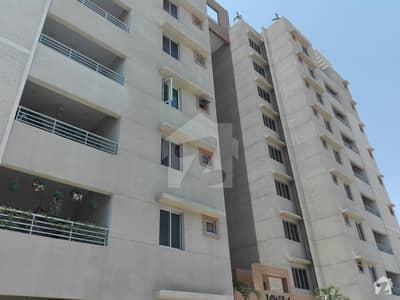 نیوی ہاؤسنگ سکیم کارساز کراچی میں 5 کمروں کا 19 مرلہ فلیٹ 6.6 کروڑ میں برائے فروخت۔