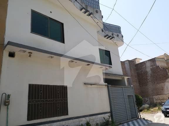 ورسک روڈ پشاور میں 5 کمروں کا 4 مرلہ مکان 30 ہزار میں کرایہ پر دستیاب ہے۔