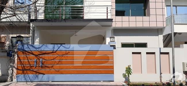 ایف ۔ 11/3 ایف ۔ 11 اسلام آباد میں 5 کمروں کا 10 مرلہ مکان 4.8 کروڑ میں برائے فروخت۔