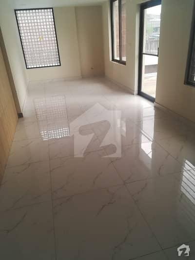 ڈی ایچ اے فیز 2 - بلاک آر فیز 2 ڈیفنس (ڈی ایچ اے) لاہور میں 5 کمروں کا 1 کنال مکان 1.35 لاکھ میں کرایہ پر دستیاب ہے۔
