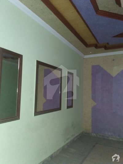 ستیانہ روڈ فیصل آباد میں 4 کمروں کا 5 مرلہ مکان 78 لاکھ میں برائے فروخت۔