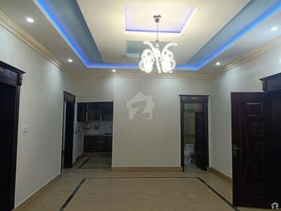 شادمان کالونی گجرات میں 3 کمروں کا 10 مرلہ مکان 30 ہزار میں کرایہ پر دستیاب ہے۔