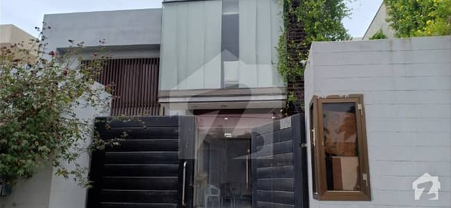 A 500 Sq Yard 2 Unit Bungalow In Clifton Block 4 For Rent Commercial Use