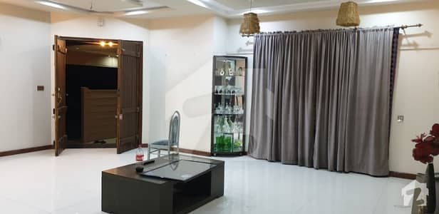 ایڈن ایگزیکیٹو ایڈن گارڈنز فیصل آباد میں 5 کمروں کا 15 مرلہ مکان 3 کروڑ میں برائے فروخت۔