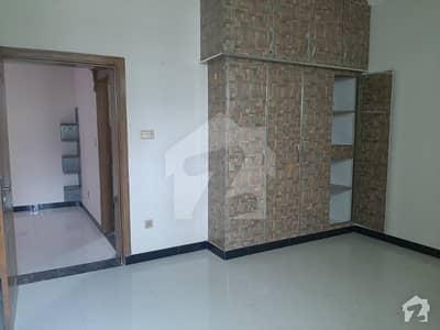 سوان گارڈن اسلام آباد میں 4 کمروں کا 12 مرلہ بالائی پورشن 37 ہزار میں کرایہ پر دستیاب ہے۔