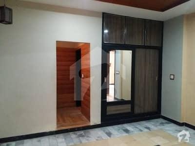 ورسک روڈ پشاور میں 6 کمروں کا 6 مرلہ مکان 1.6 کروڑ میں برائے فروخت۔