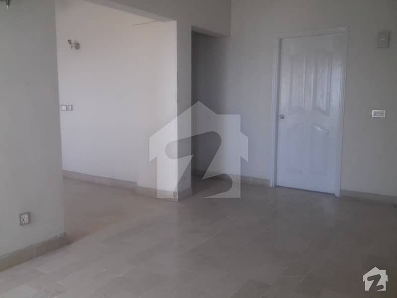 Prime Location Apartment 3 Bed DD Flat Is Available for SALE Sea Rock Apartment Clifton Block1 Karachi
