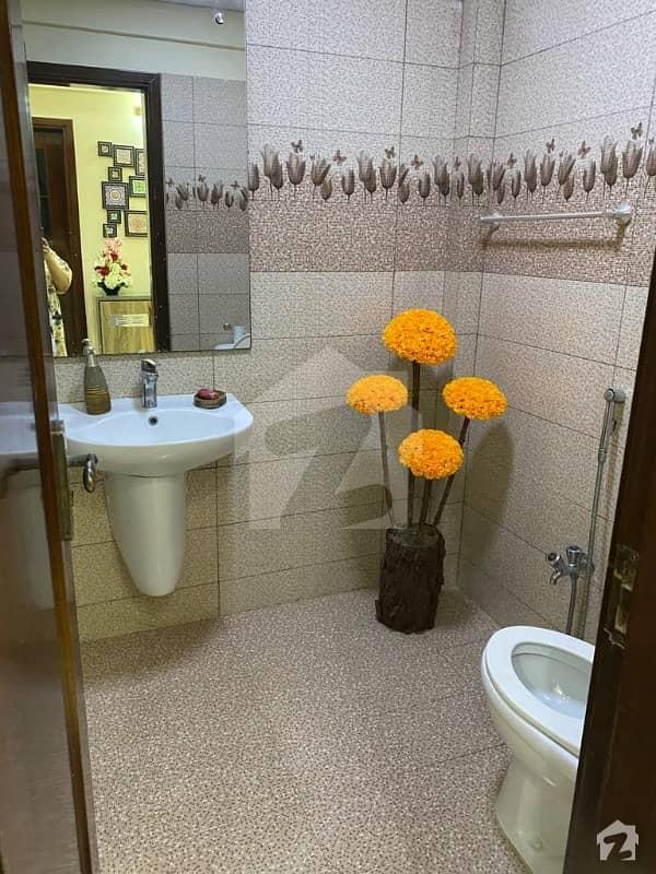 کلفٹن ۔ بلاک 2 کلفٹن کراچی میں 3 کمروں کا 7 مرلہ پینٹ ہاؤس 2.5 کروڑ میں برائے فروخت۔