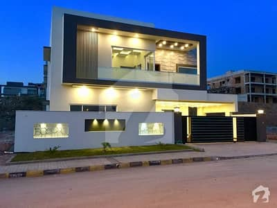 بحریہ ٹاؤن فیز 8 ۔ بلاک بی بحریہ ٹاؤن فیز 8 بحریہ ٹاؤن راولپنڈی راولپنڈی میں 6 کمروں کا 1 کنال مکان 4 کروڑ میں برائے فروخت۔