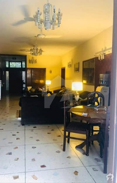 جی ٹی روڈ اسلام آباد میں 4 کمروں کا 2 کنال مکان 11 کروڑ میں برائے فروخت۔