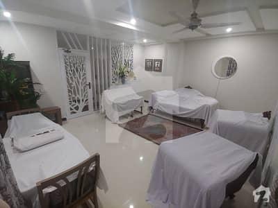 حیات آباد فیز 3 حیات آباد پشاور میں 5 کمروں کا 13 مرلہ پینٹ ہاؤس 1.72 کروڑ میں برائے فروخت۔