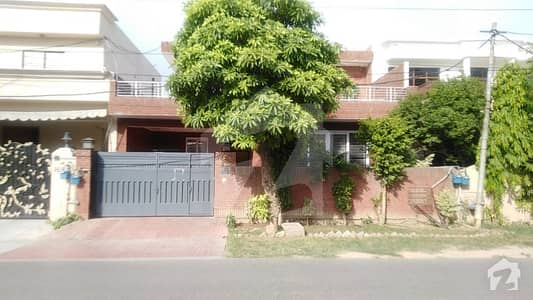 10 Marla Full Renovated House Is Available For Sale In DHA Defence Phase 3 Block Z Lahore