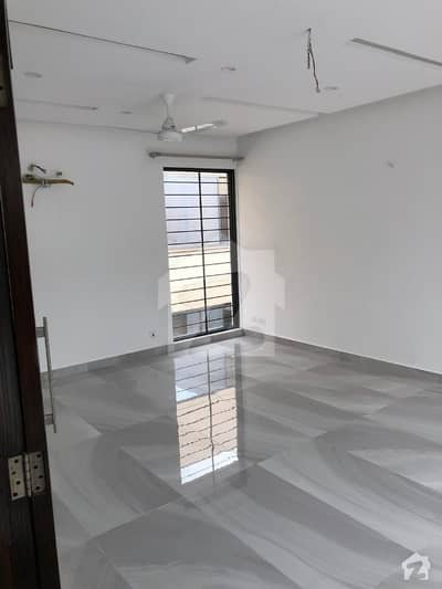 Brand New 1 Kanal Upper Portion Available In Dha Phase3 Zblock