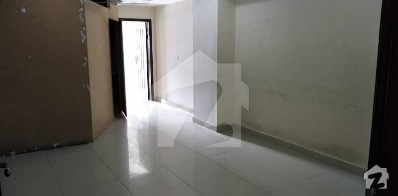 Master Size One Bedroom Apartment For  Sale