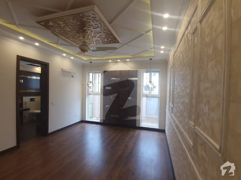 10 Marla Spanish Bungalow Brand New For Sale In Air Avenue Phase 8 Dha