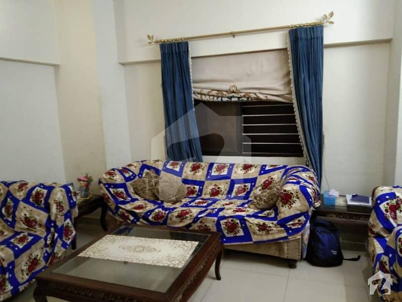جناح ایونیو کراچی میں 3 کمروں کا 10 مرلہ فلیٹ 1.65 کروڑ میں برائے فروخت۔