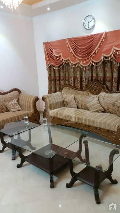 ڈی ایچ اے فیز 5 - بلاک بی فیز 5 ڈیفنس (ڈی ایچ اے) لاہور میں 5 کمروں کا 1 کنال مکان 1.35 لاکھ میں کرایہ پر دستیاب ہے۔