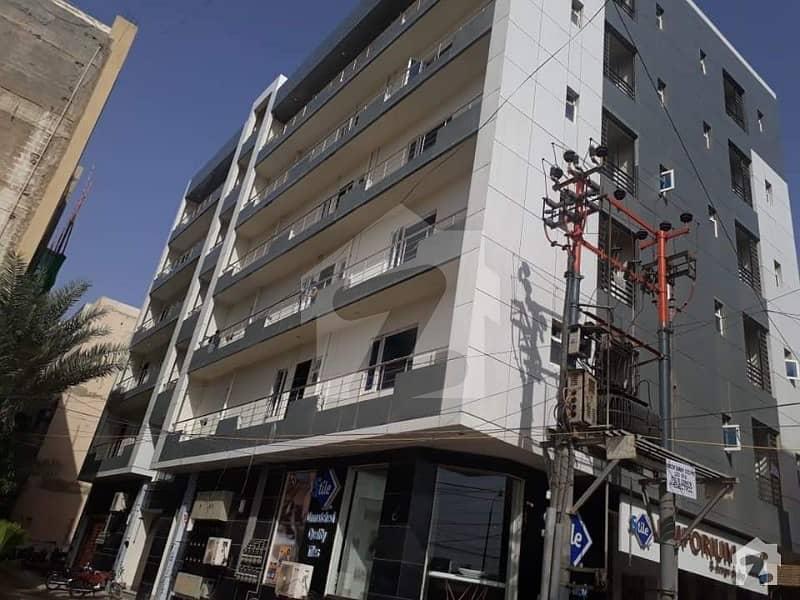 ڈی ایچ اے فیز 6 ڈی ایچ اے کراچی میں 3 کمروں کا 8 مرلہ فلیٹ 2.45 کروڑ میں برائے فروخت۔