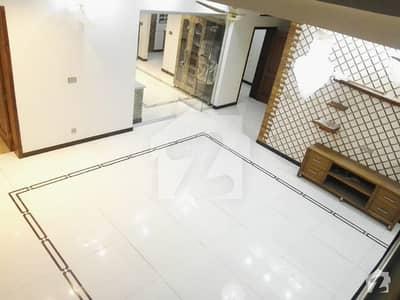 ڈی ایچ اے فیز 1 - سیکٹر ای ڈی ایچ اے ڈیفینس فیز 1 ڈی ایچ اے ڈیفینس اسلام آباد میں 6 کمروں کا 1 کنال مکان 1.3 لاکھ میں کرایہ پر دستیاب ہے۔