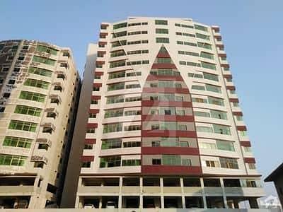 صنوبر ٹوِن ٹاور سعدی روڈ کراچی میں 2 کمروں کا 5 مرلہ فلیٹ 57 لاکھ میں برائے فروخت۔