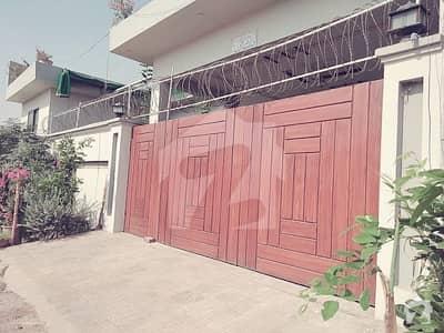 ملتان پبلک سکول روڈ ملتان میں 2 کمروں کا 10 مرلہ مکان 30 ہزار میں کرایہ پر دستیاب ہے۔