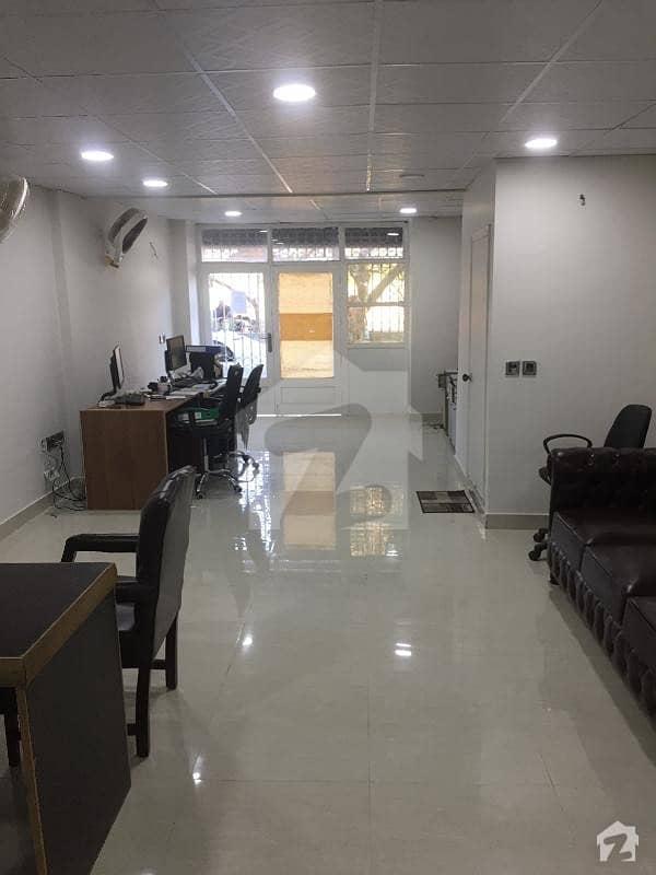 کلفٹن ۔ بلاک 9 کلفٹن کراچی میں 4 مرلہ دکان 8.5 کروڑ میں برائے فروخت۔