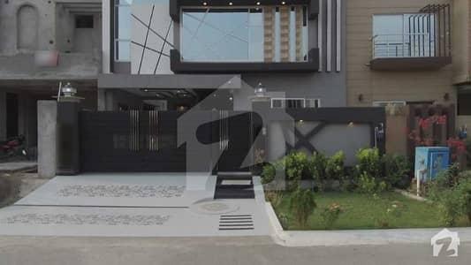 امپیریل گارڈن ہومز پیراگون سٹی لاہور میں 4 کمروں کا 10 مرلہ مکان 2.2 کروڑ میں برائے فروخت۔