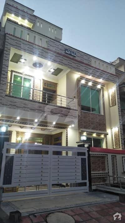 جی ۔ 14/4 جی ۔ 14 اسلام آباد میں 12 کمروں کا 1.33 کنال مکان 2.1 لاکھ میں کرایہ پر دستیاب ہے۔