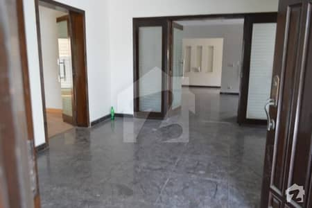 One Kanal Full House Available For Rent In Dha Phase 3