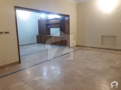 One Kanal Lower Portion Available For Rent DHA Phase3 Lahore Cantt