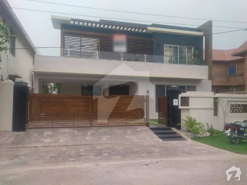 1 Kanal Full Furnished  Full Basement House For Sale Ideal Location Dha Lahore