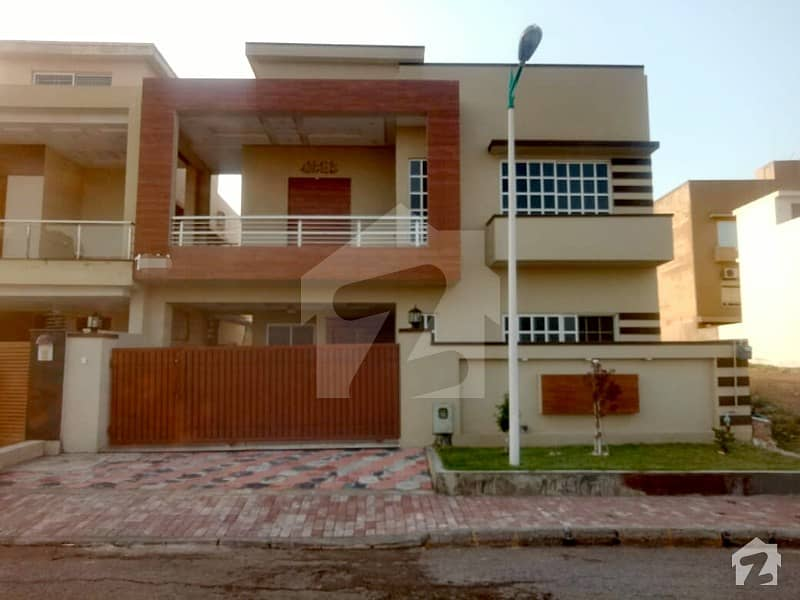 Luxury 10 Marla House For Sale Bahria Town Phase 8 Overseas Sector 5 Rwp