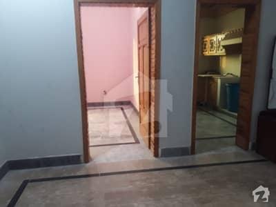 حیات آباد فیز 6 - ایف10 حیات آباد فیز 6 حیات آباد پشاور میں 3 کمروں کا 10 مرلہ بالائی پورشن 33 ہزار میں کرایہ پر دستیاب ہے۔