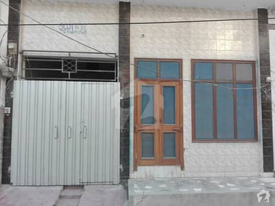 علی ہاؤسنگ کالونی فیصل آباد میں 4 مرلہ مکان 70 لاکھ میں برائے فروخت۔