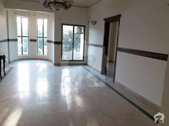 Luxury Out Class With Drawing Dining 3 Bedrooms Apartments Available For Rent