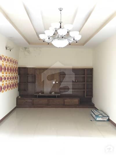 نیشنل پولیس فاؤنڈیشن او ۔ 9 اسلام آباد میں 4 کمروں کا 10 مرلہ مکان 60 ہزار میں کرایہ پر دستیاب ہے۔