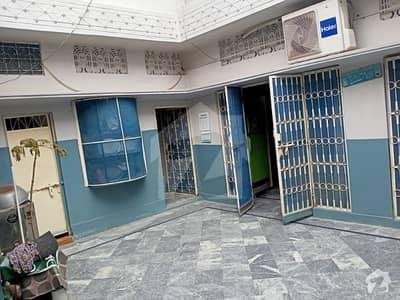 طارق بِن زید کالونی ساہیوال میں 4 کمروں کا 5 مرلہ مکان 87 لاکھ میں برائے فروخت۔