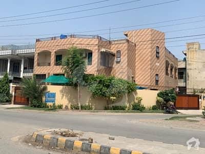 سبزہ زار سکیم لاہور میں 7 کمروں کا 1.05 کنال مکان 5 کروڑ میں برائے فروخت۔