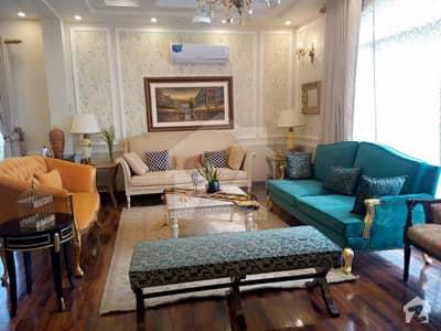 ڈی ایچ اے فیز 6 ڈیفنس (ڈی ایچ اے) لاہور میں 6 کمروں کا 1 کنال مکان 3.5 لاکھ میں کرایہ پر دستیاب ہے۔